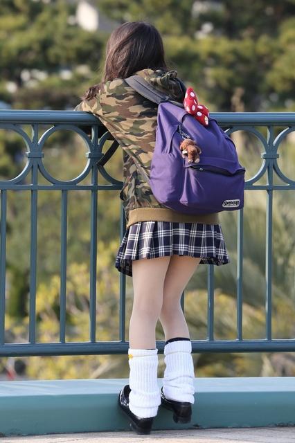 【画像】女子高生はルーズソックスが一番だな