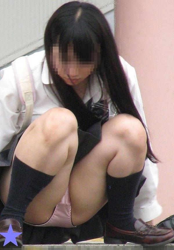 【画像】女子高生のパンツをくれぇえええ!!!