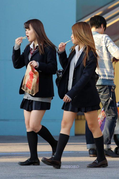 スタイル抜群な女子個性を街撮り