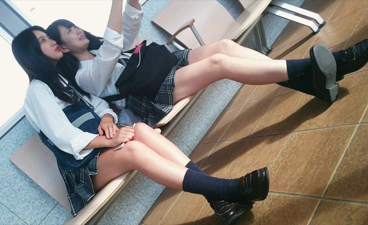 【画像】女子高生がかわいすぎて思わずパシャリ奴wwww