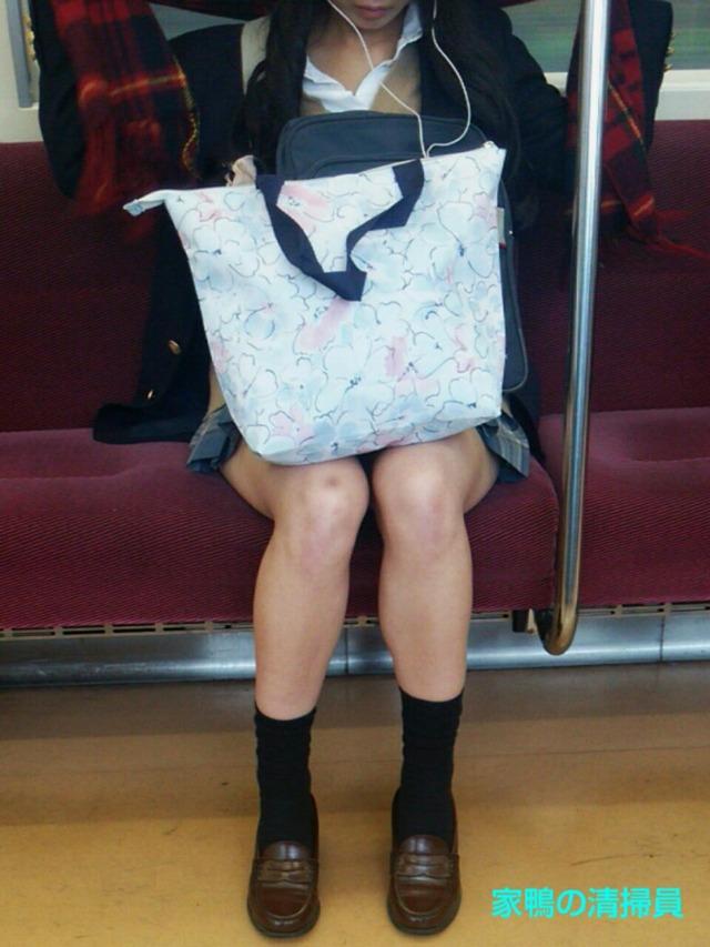 【画像】電車内で女子高生に遭遇すると元気になるやつwww