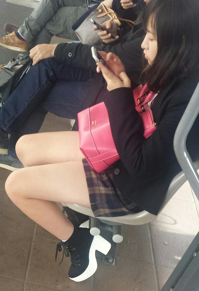 【画像】解放感全開な女子高生私服画像
