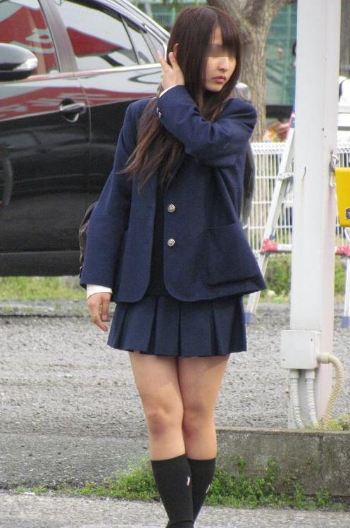【画像】女子高生を街で見かけた時の高揚感www