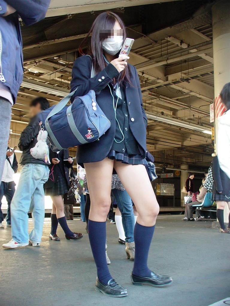 【画像】必見!!女子高生街撮り写真