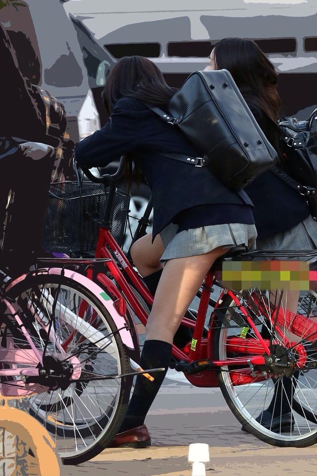 【画像】疾走感あふれる女子高生チャリンコ画像