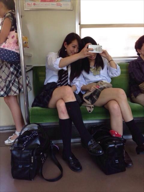 【画像】女子高生のふとももで窒息したいんだがwww