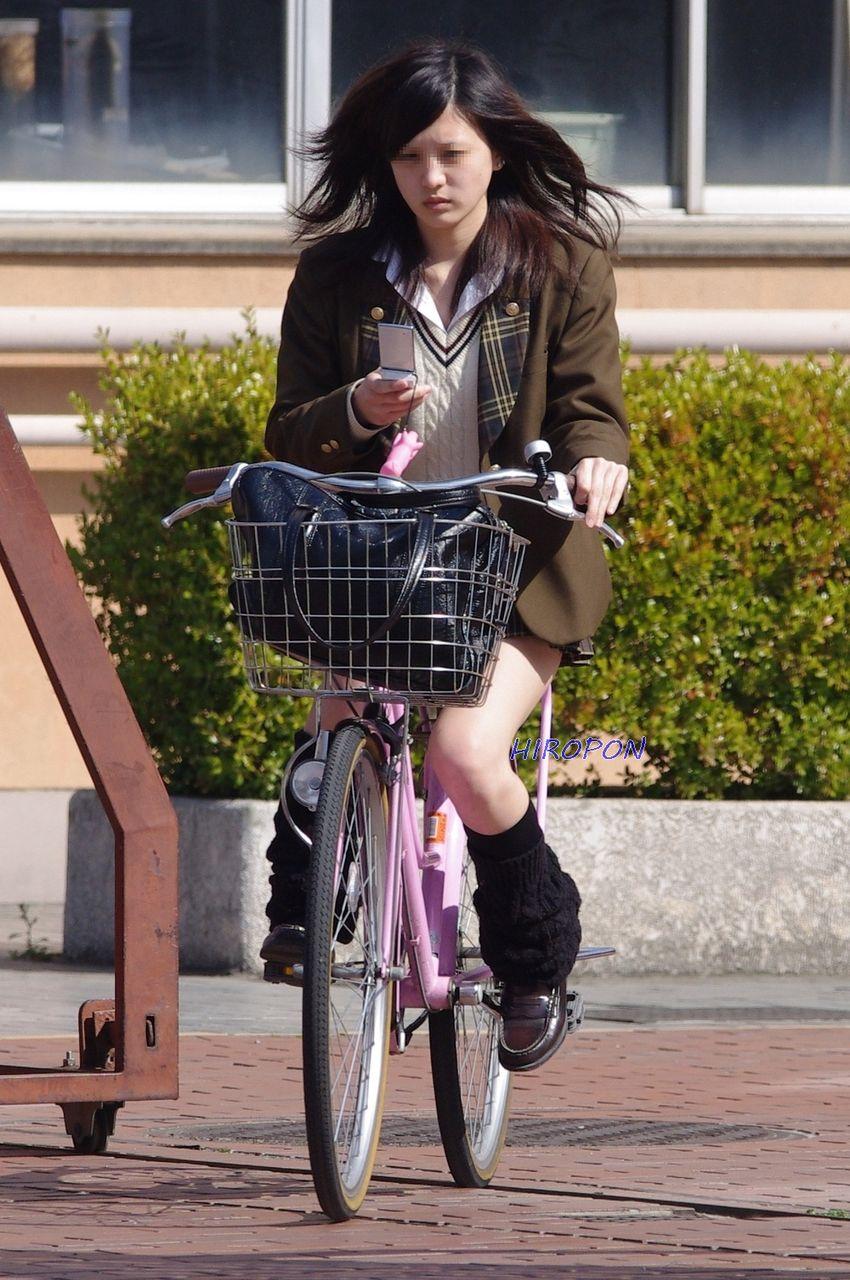 【画像】女子高生の自転車にサドルになりたいんだがwwwww