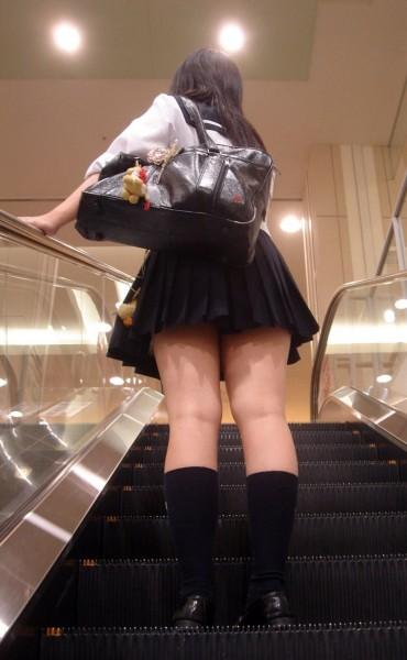 【画像】女子高生のふとももってすべすべなんだぜ?wwww