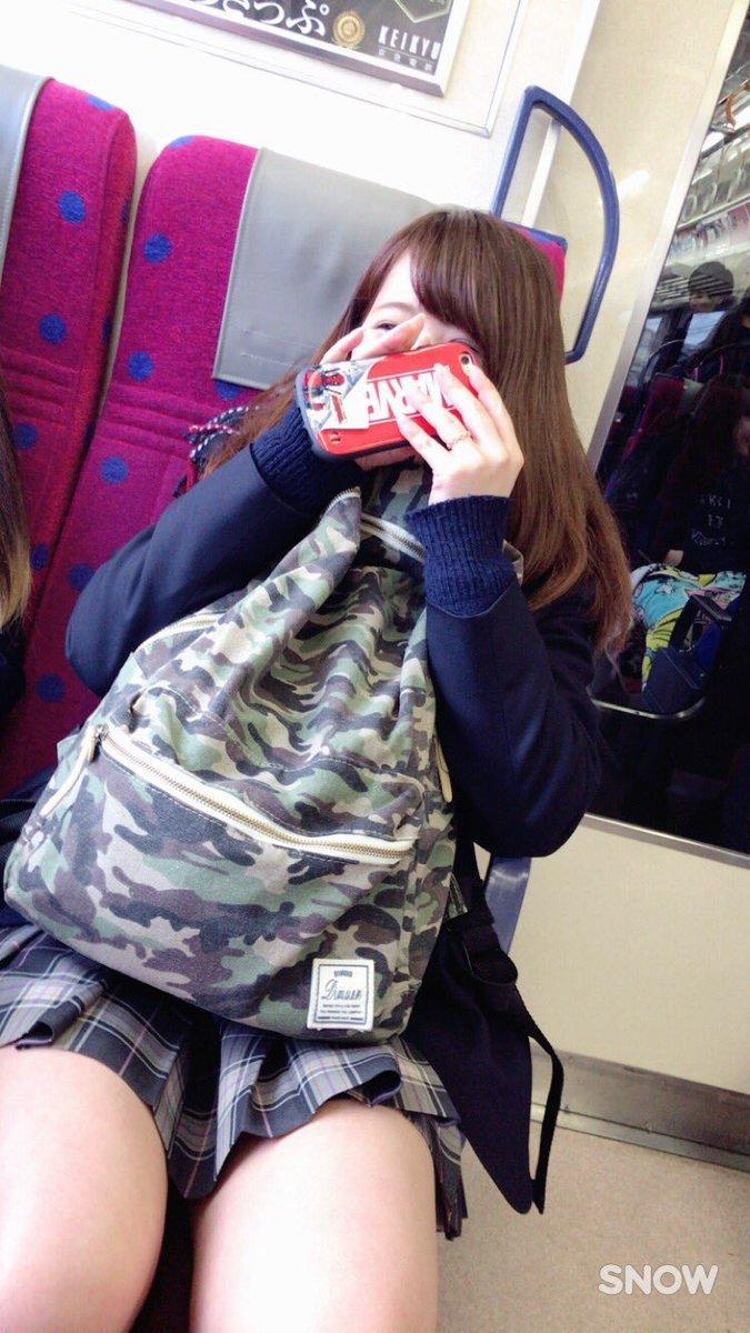 【画像】電車内JKってなんでこんな興奮するんや