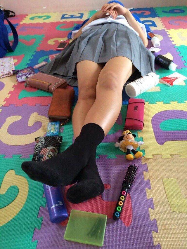 【画像】おふざけが過ぎる女子高生さんwwww