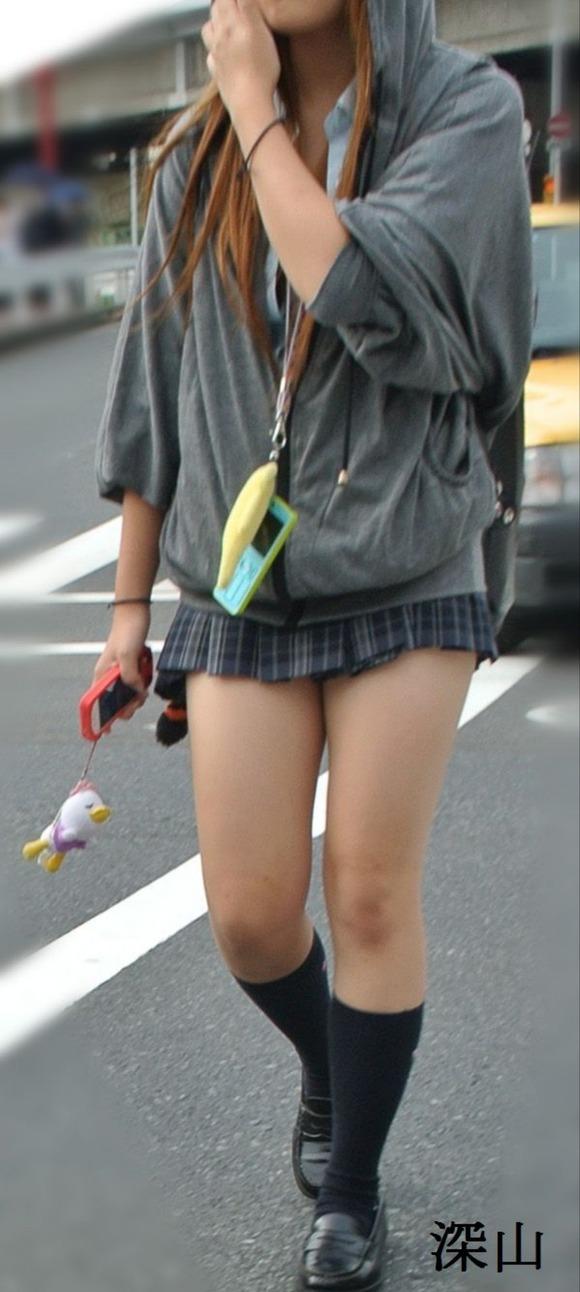【画像】どんなカメラで撮ってるんだ街撮り女子高生