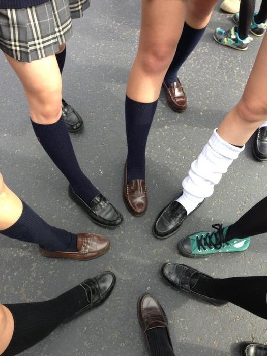 【画像】女子高生のエッロい下半身www