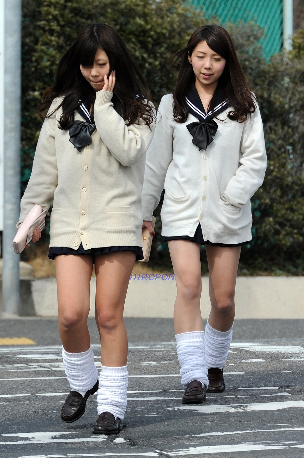 【画像】ルーズソックス履いてるギャル女子高生写真集