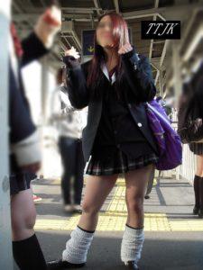 【画像】女子高生のルーズソックスって最強だよなwww