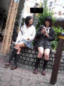【画像】夏が来て薄着になってほしいJK街撮り集