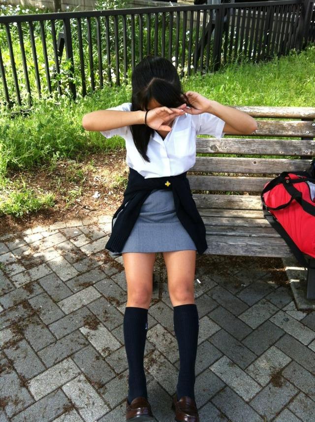 【画像】おいおい、女子高生さんよ、透けてますぜ