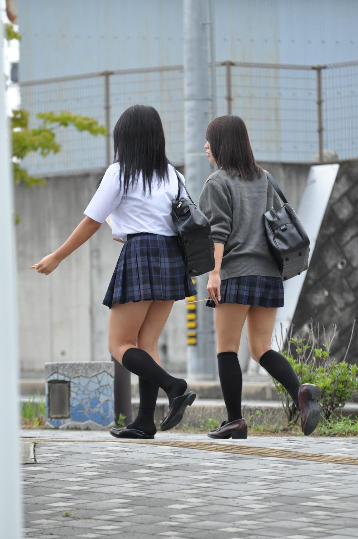 【画像】ちょい透けがエロいシャツJK特集