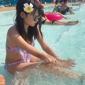 【画像】JKの水着にしみ込んだ水をチュウチュウしたくなる写真集