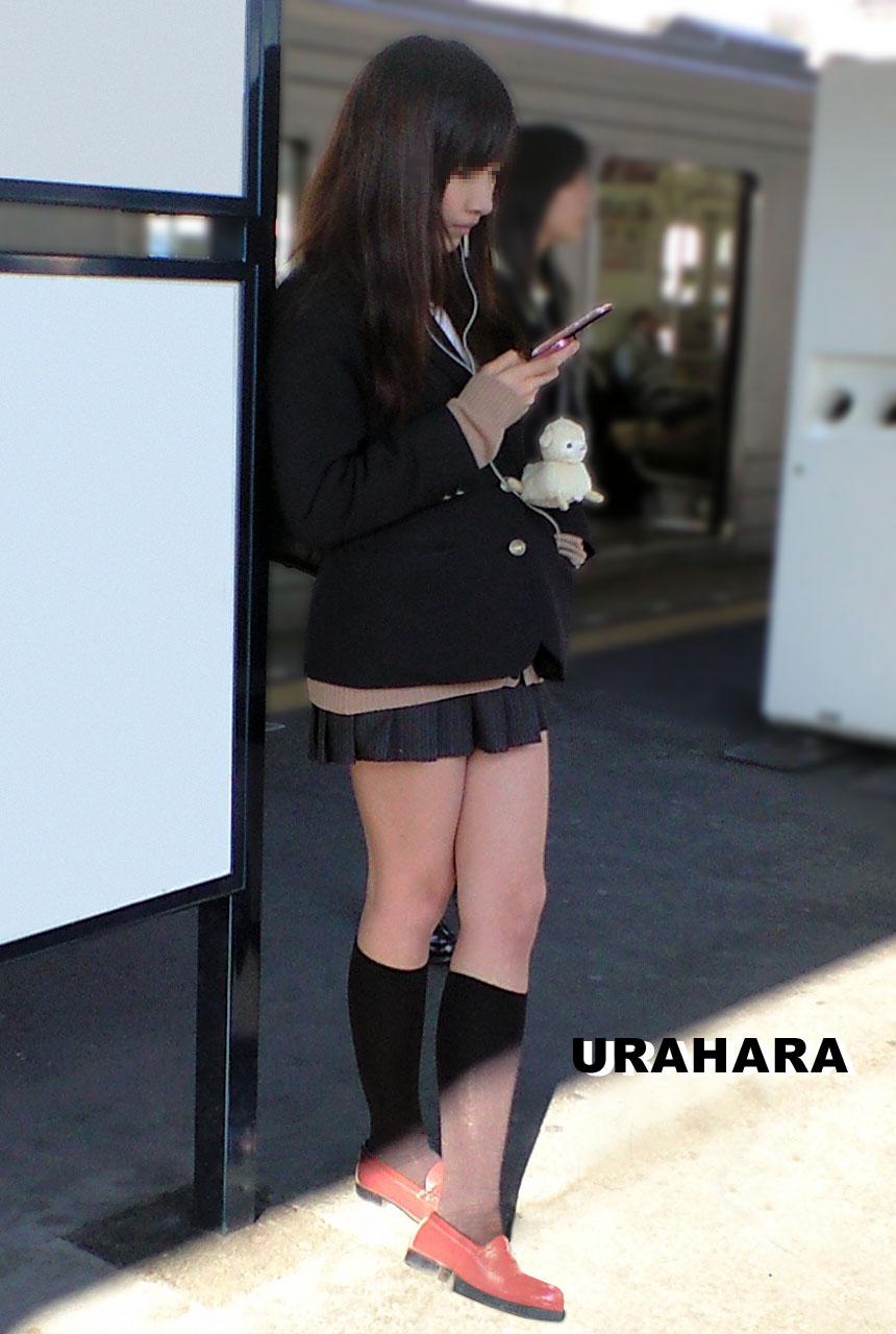 【画像】JKの王道ジャンルといえば、待撮り!!!