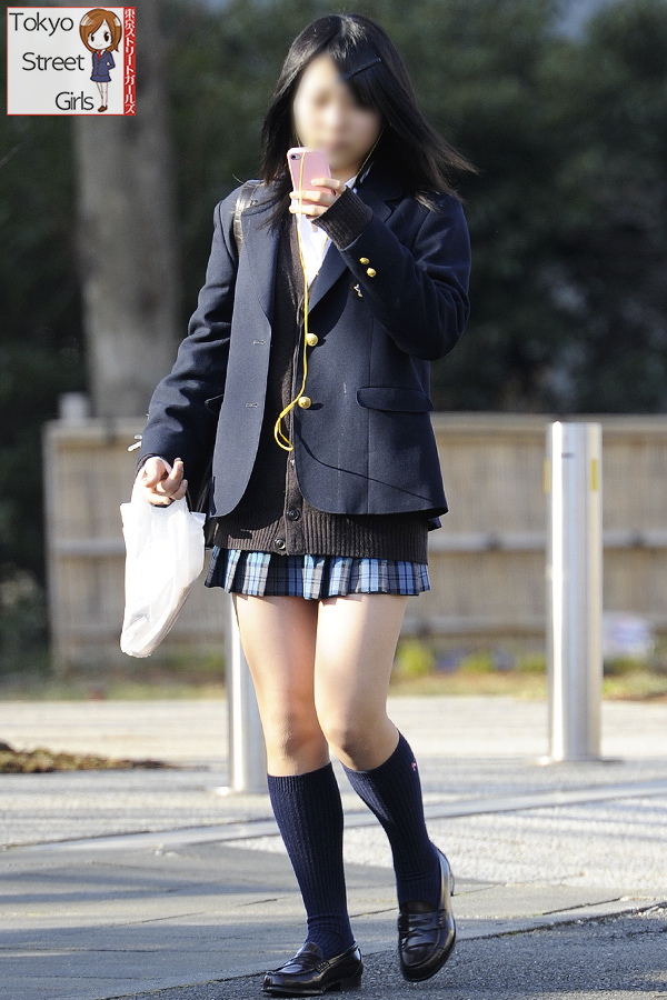 【画像】王道ジャンル!女子高生待撮り写真!