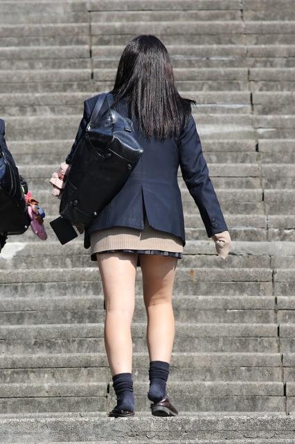 【画像】女子高生を見かけた時の今日も一日頑張れる感www