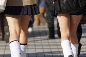 【画像】女子高生ルーズソックスの魅力について