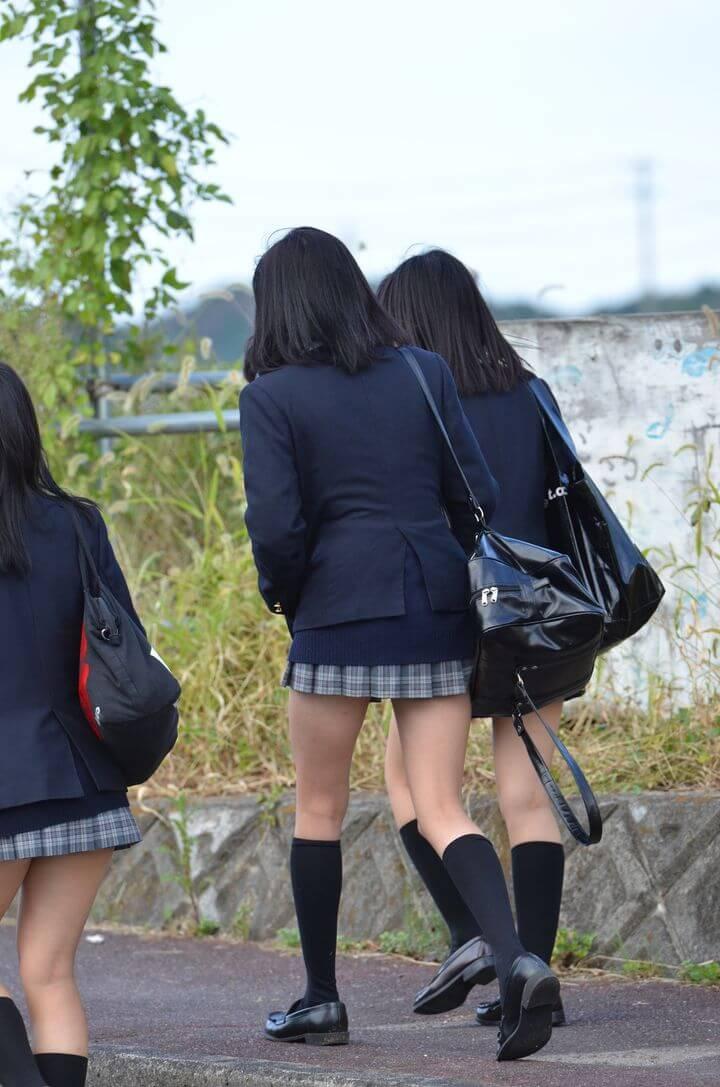 【画像】女子高生待撮り生写真集(税込980円)←買う