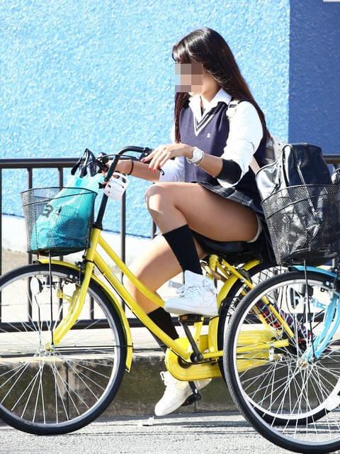 【画像】女子高生のチャリンコ写真集