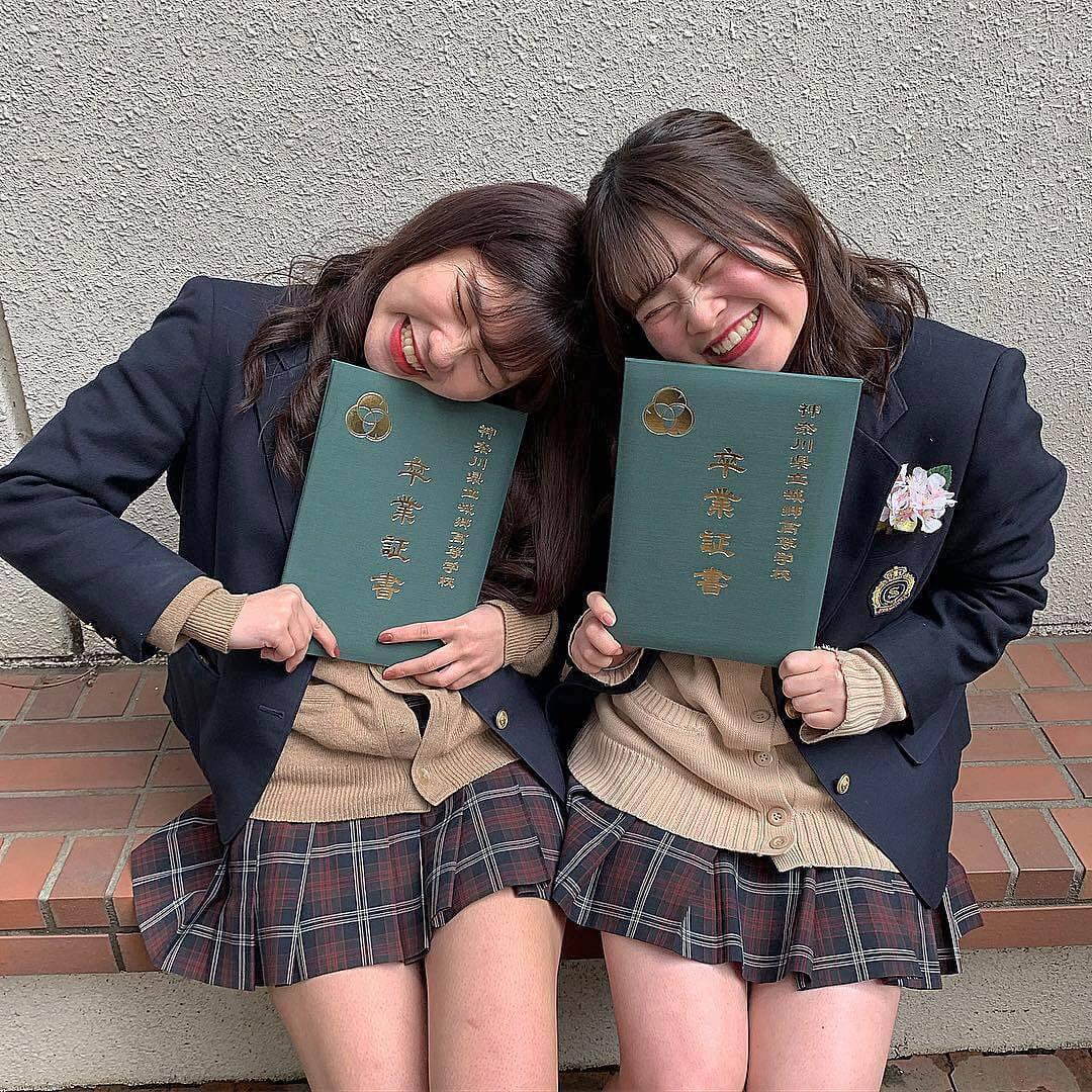【画像】城郷女子高生もご卒業おめでとう!!!!wwww