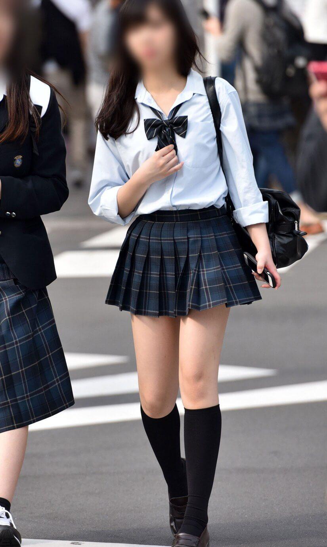 【画像】Yシャツ女子高生に発情するのは必然だよな