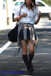 【画像】女子高生の下着が透けた瞬間フル勃起なのだが