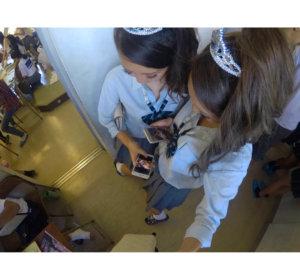 【画像】学校で全力で青春をする女子高生写真
