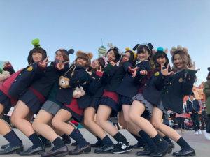 【画像】ディズニー女子高生がいっぱいだぁ~( ^^) _旦~~