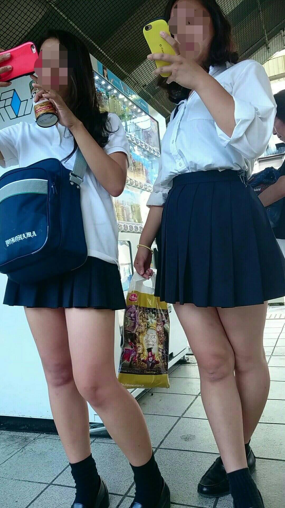 【画像】汗がしみ込んだ女子高生のYシャツをチューチューしたいwww