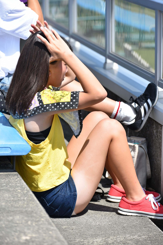 【画像】女子高生の夏休み私服は露出度高めwww