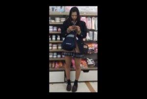 【動画】ムチムチ女子校生魅惑のスカート盗撮動画【2本立て】