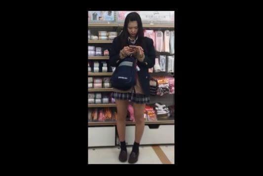 【動画】ムチムチ女子校生魅惑のスカート内盗撮動画【2本立て】