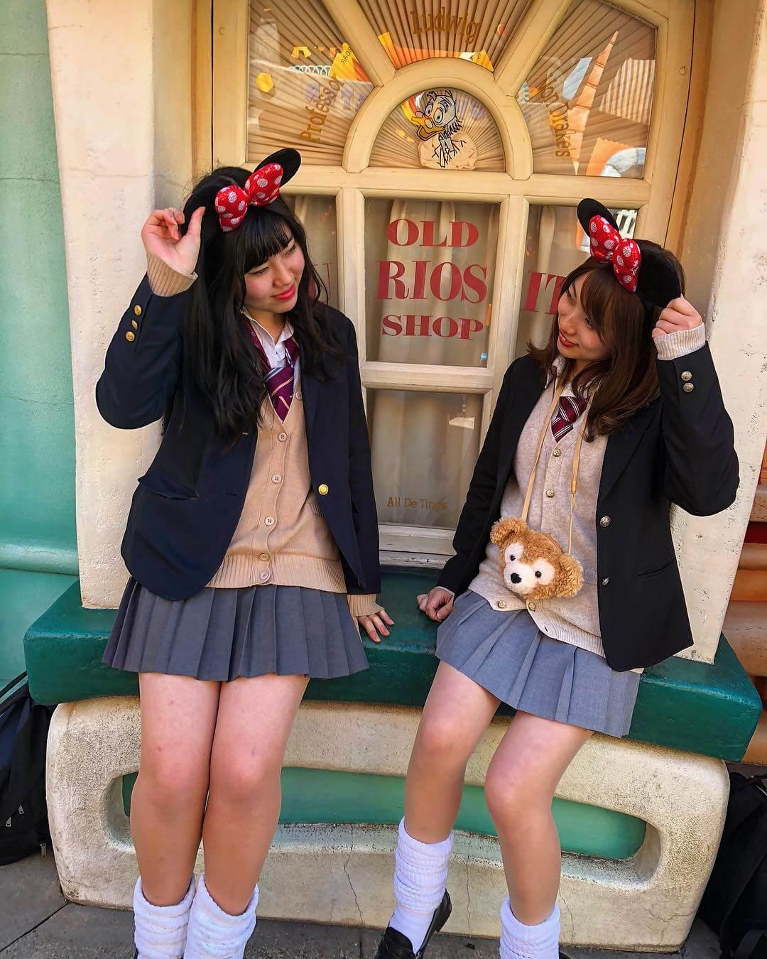【画像】ディズニーではっちゃける女子高生写真