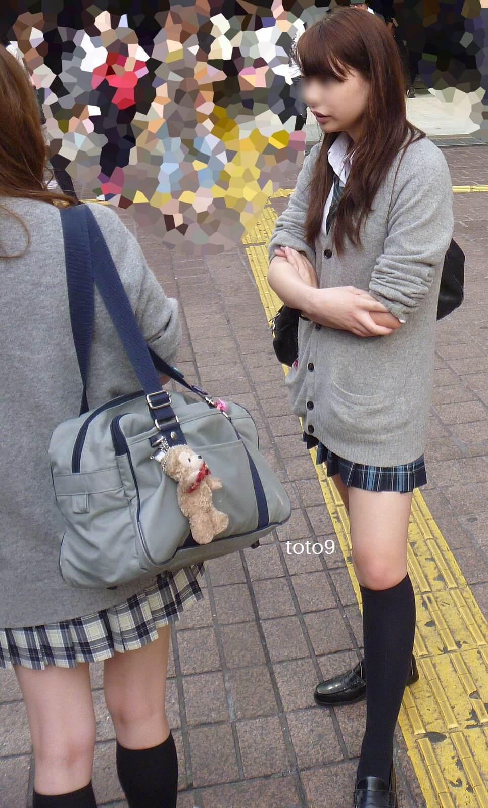 【画像】待撮り女子高生(秋バージョン)