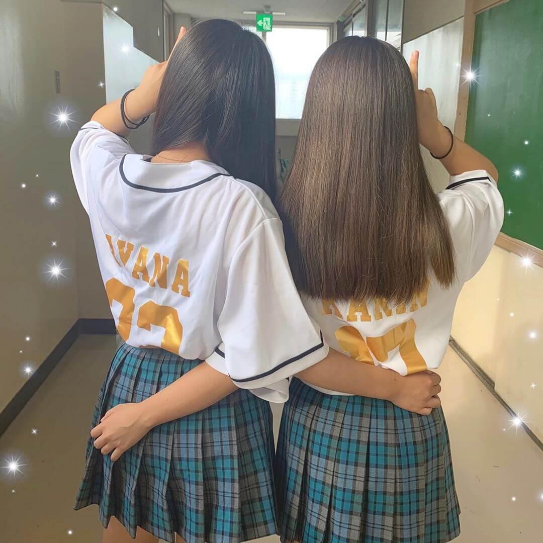 【画像】女子高生の背後からおもわず抱き着きたくなる写真集