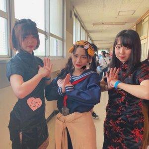 【画像】いつもと違う雰囲気漂う文化祭での女子高生