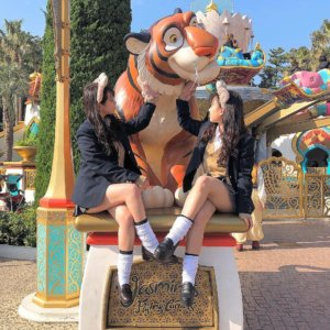 【画像】ディズニーではっちゃけまくる女子高生写真