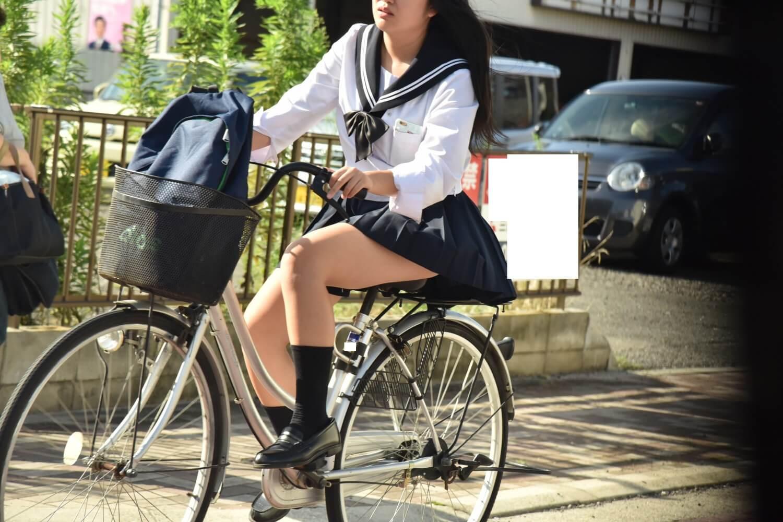 【画像】自転車のサドルにむしゃぶりつきたくなるJK写真