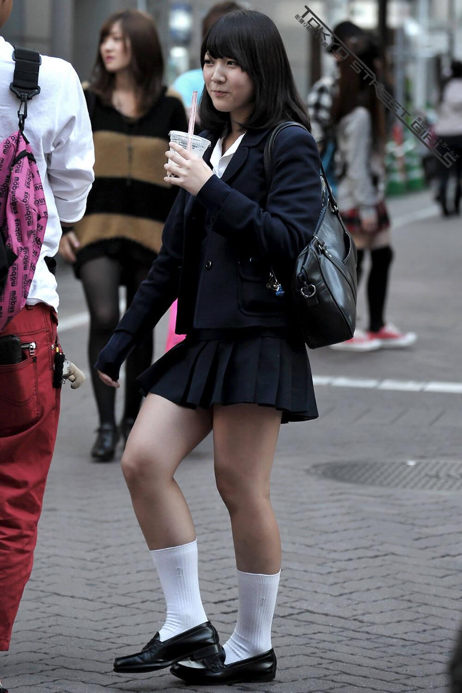 【画像】シンプルな女子高生待撮り写真