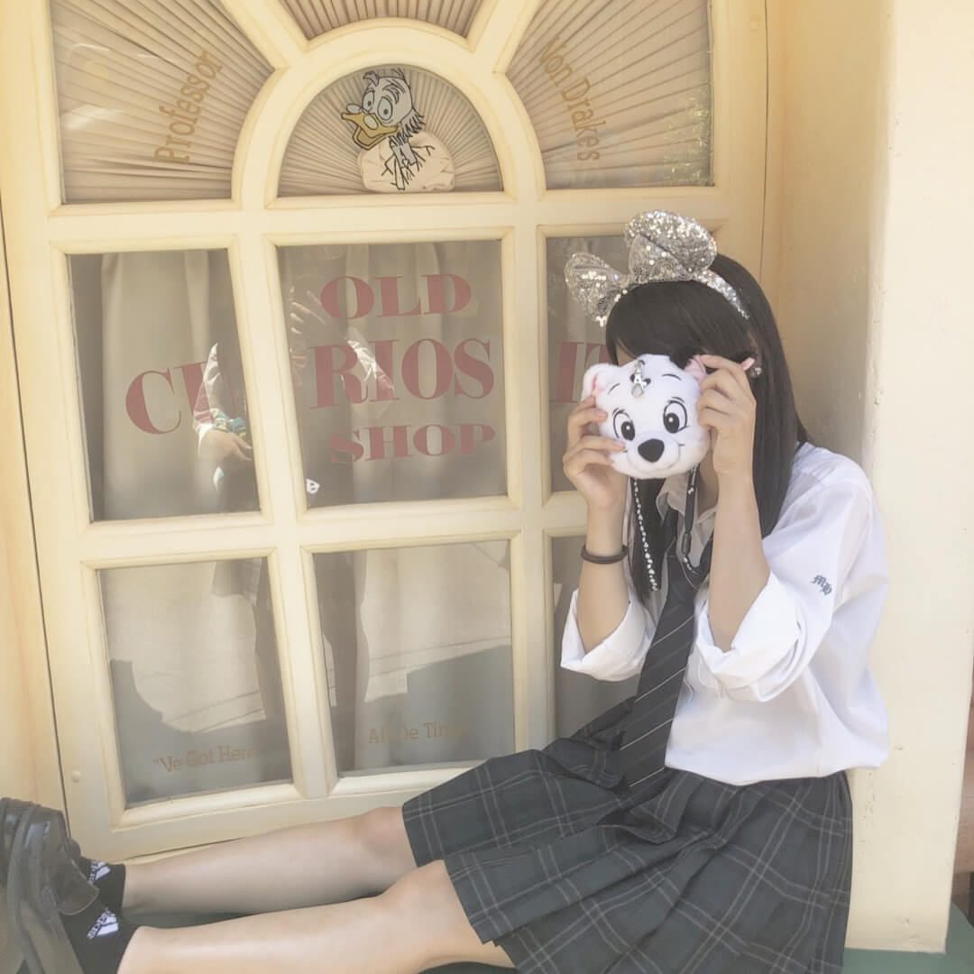 【画像】ケバケバな女子高生とパパ活ディズニーしたくなる写真