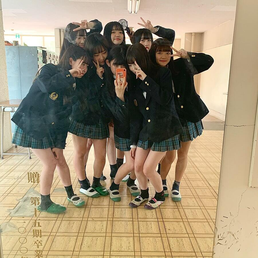 【画像】SNSで拡散される新栄JK写真集