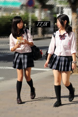 【画像】シコい待撮り女子高生の写真