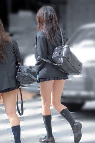 【画像】女子高生の待撮り職人がアップをはじめました!!!