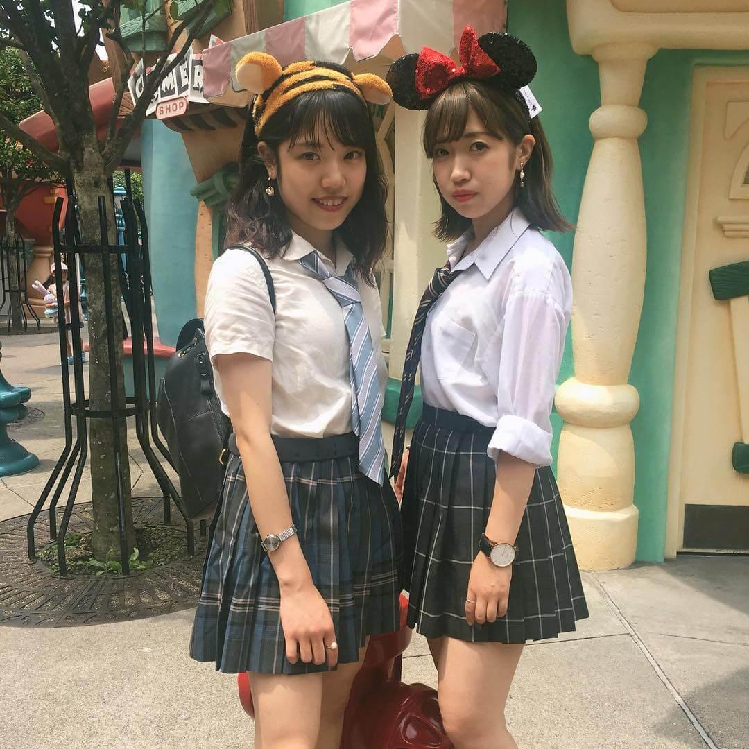 【画像】ディズニー女子高生のはっちゃけぶりがカワイイ写真