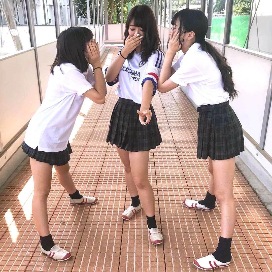 【画像】学校で青春しまくる女子高生のほっこりシコ写真